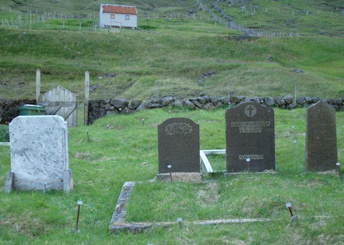 Langabbi og langomma mín, abbabeiggi og báðar konur hansara. (Mynd Vagnur)