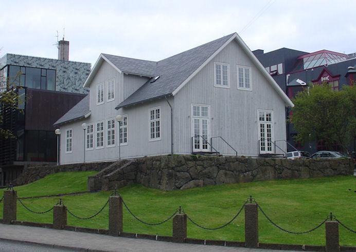 Stóra kravgongan herfyri boðaði frá, at fólk hava ikki álit á politikarunum. (Mynd Vagnur)