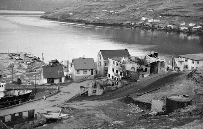 Stórt afturstig fyri Vestmana, tá ið hotellið og Sentrum brendu.