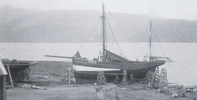 Ternan á sleipistøð á Skála Skipasmiðju. Ternan var upphøgd í 1934. (Mynd Tórshavn)