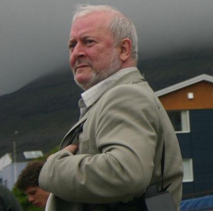 Jan Müller hyggur til kappróður á norðoyastevnu í 2005. (Mynd Christopher)