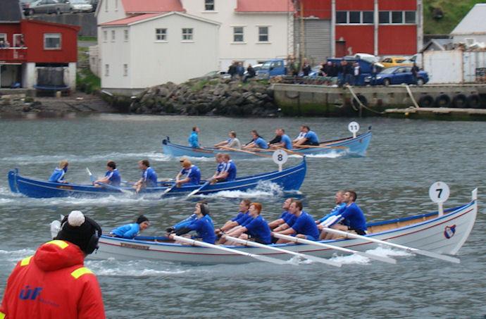 Kvívíkingur vinnur her 8-mannafarsróðurin á norðoyastevnu. (Einar Martin)