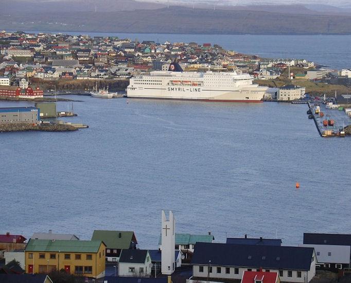 Nú fáa Argja róðrarfelag og Róðrarfelagið Knørrur fíggjarligan part av ólavsøkuróðrunum. (Mynd Vagnur)