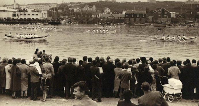 Her fer Sunnbingur fyrstur um málið inni í Vágsbotni í 1964.