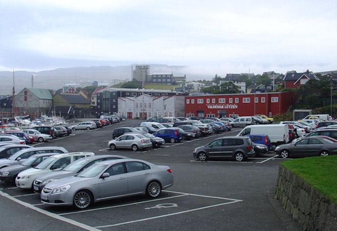 Mangan er torført at finna parkeringspláss í Havn. (Mynd Vagnur)