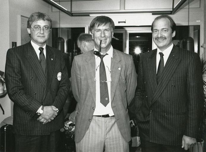 Sepp Piontek í Føroyum: F.v: Jákup Simonsen, FSF, Sepp Piontek og Jens Erik Rasmussen. (Mynd Dimmalætting)