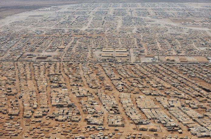 144.000 sýrar búgva í hesari flóttafólkaleguni í Jordan.
