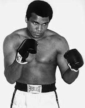 Muhammed Ali vann OL-gull í 1960, og so gjørdist hann yrkisboksari.