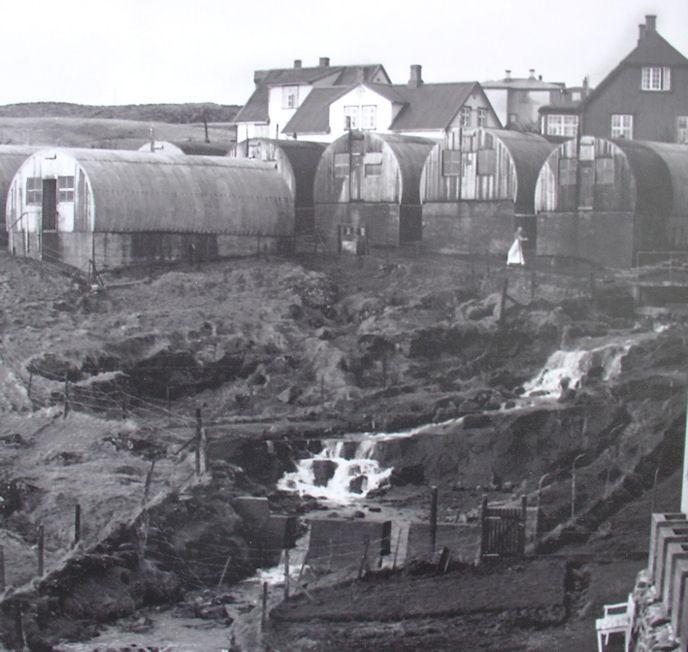 Her síggja vit byrgina um Rættará við Ellisheimið. Her høvdu vit ungu mangar góðar løtur. (Mynd Vagnur av stórari mynd)