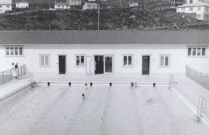 Stórur dagur í Havn, tá býurin fekk nýggja svimjihylin í 1959. (Mynd Havnin - fólk og yrki)