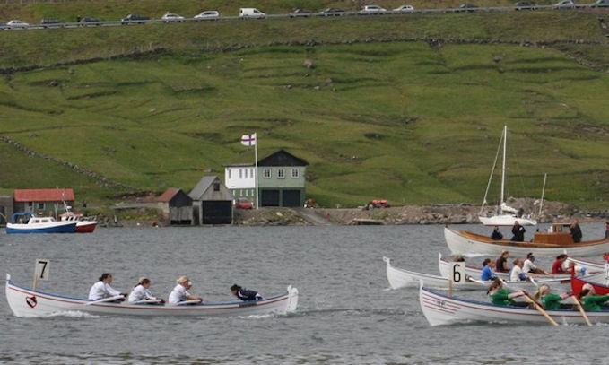 Frúgvin 5-kvinnur vinnur sundalagsstevnu í Hvalvík í 2007. (Mynd Chrisoffer)