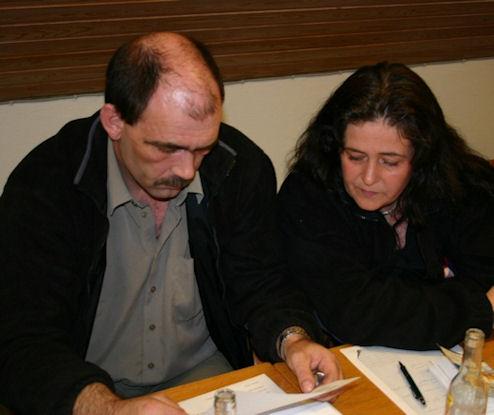 Foreldrini hjá Saritu avmyndað í 2005. Jógvan Hans og Haldis Hansen. (Mynd Christopher)