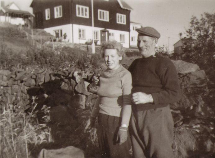 Syskinabørnini Mia Trónd og Jón Hansen.