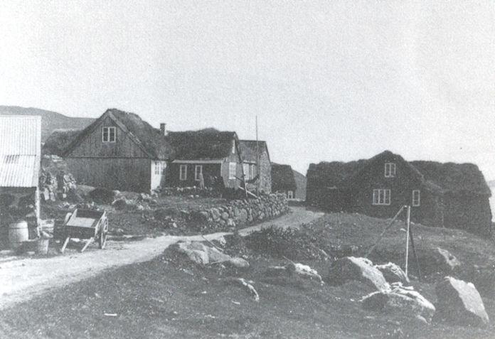 Mikkjal í Grønlandi var úr húsinum niðri í Stovu á Velbastað. Á Dunganum verður staðið rópt.