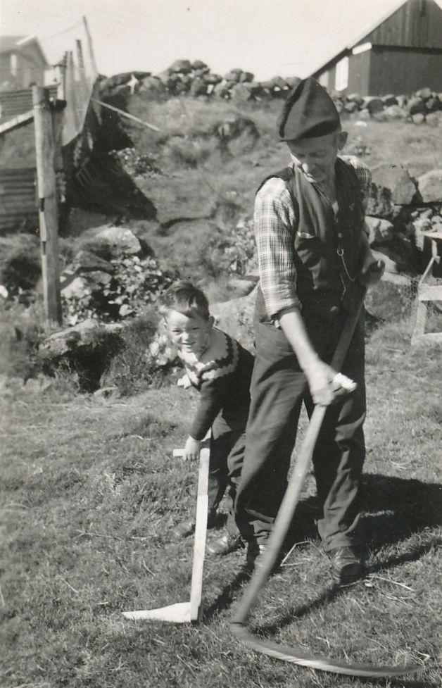 Mikkjaltrøð var sligin við líggja, Mikkjal og abbasonurin Einar.