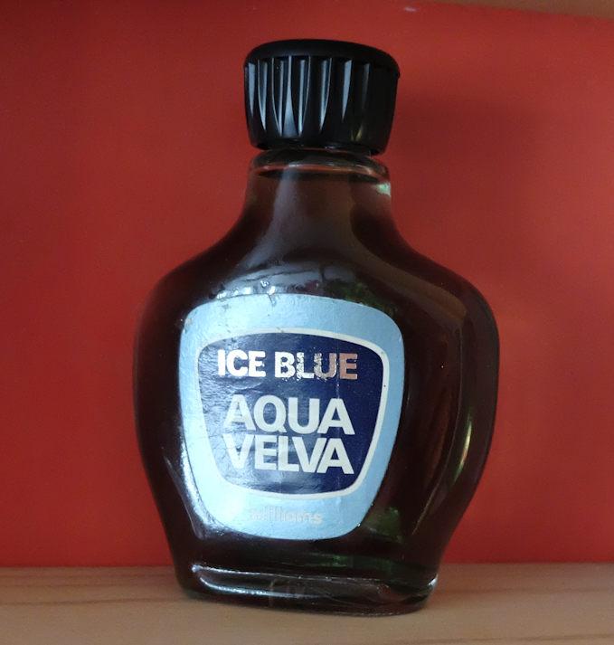 Aqua Velva var vanliga blandað við citrónvatni. (Mynd Vagnur)
