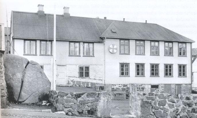 Einferð var Losjan og steinur býarmynd í Havn . (Mynd bókin Losjan støt viljen 100 ár)