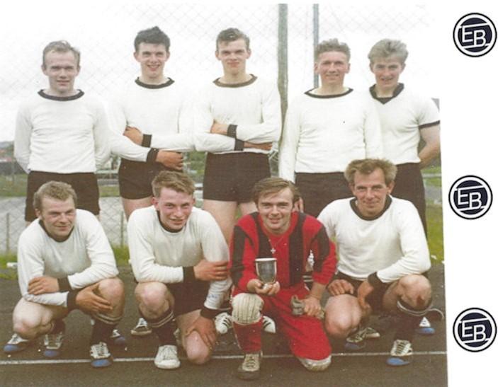EB vinnur 2. deild í 1969. Aftast f.v: Hans Erland í Brekkunum, Nikkel Martin Kruse, Petur Ovi Vesturtún, Knút Vesturdal og Pól Johannus Jacobsen.