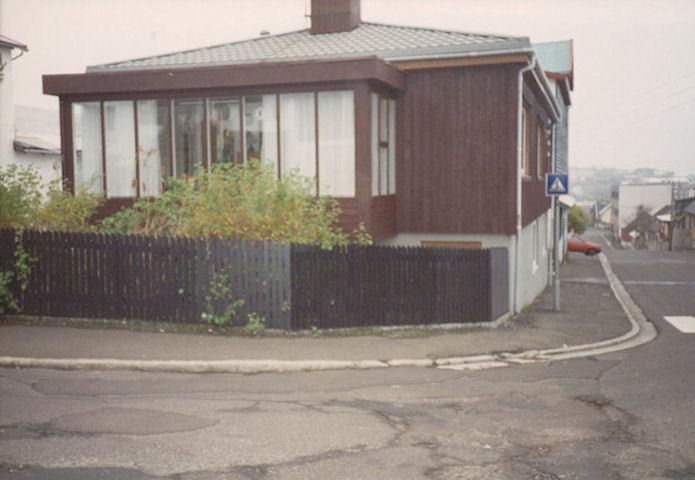Ì 1961 fluttu Gurli og Benjamin inn til Niels Restoff við Landavegin. (Mynd Vagnur)