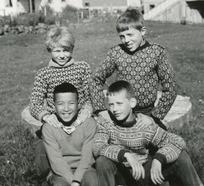 Ein altíð smílandi Benjamin. Aftast frá vinstu Helgi Nolsøe og Virgar Wardum. Fremst frá vinstru Benjamin Clausen og Vagnur Michelsen.